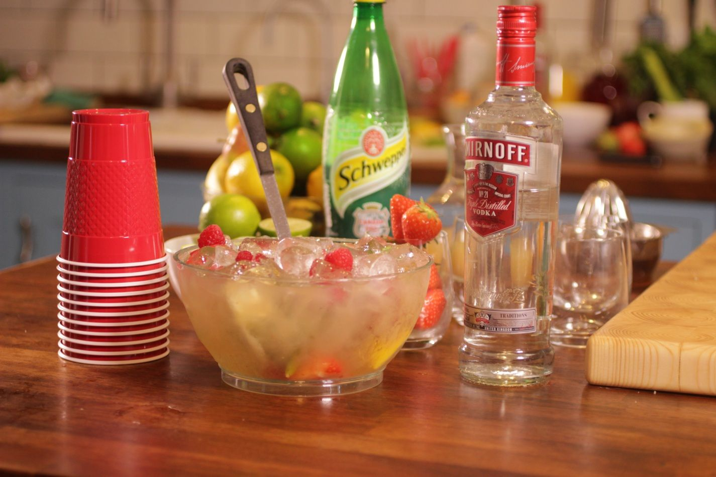 How to make easy smirnoff summer punch with vodka recipe for Easy vodka cocktails to make at home