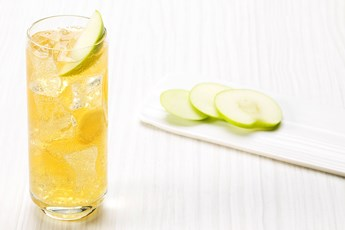 J&B & Soda With Lime Juice, Fresh Apple And Ginger