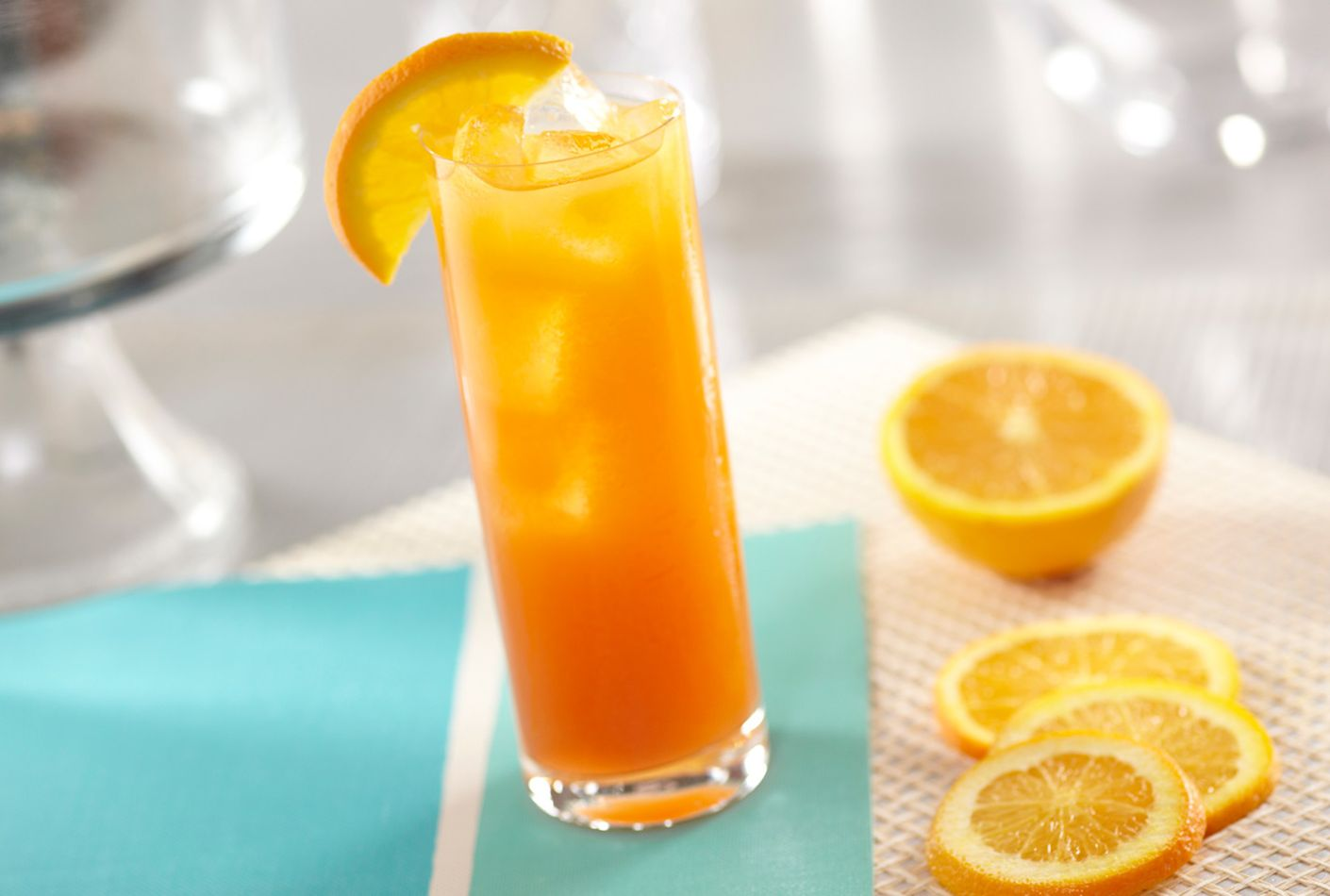 Captain morgan original spiced gold and orange juice drink for Cocktail orange