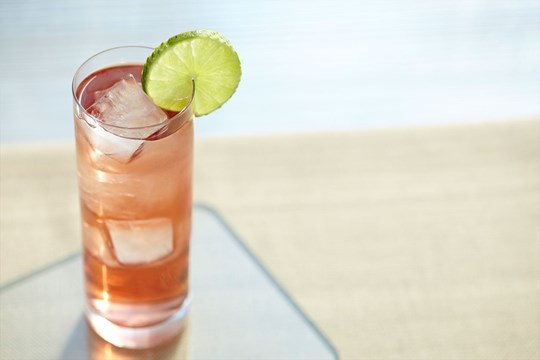 Whisky & Ginger with Cranberry Juice